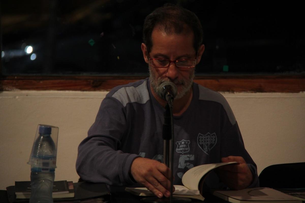 """BACKSTAGE: Mario Arteca : """"Somos escritores de poesía, pero somos escritores, en principio"""" / Maurizio Medo"""